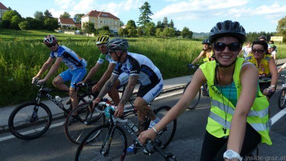 Beweisfoto: Profi-Radsportler führen noch vor den CityRadeln Guides die Tour an