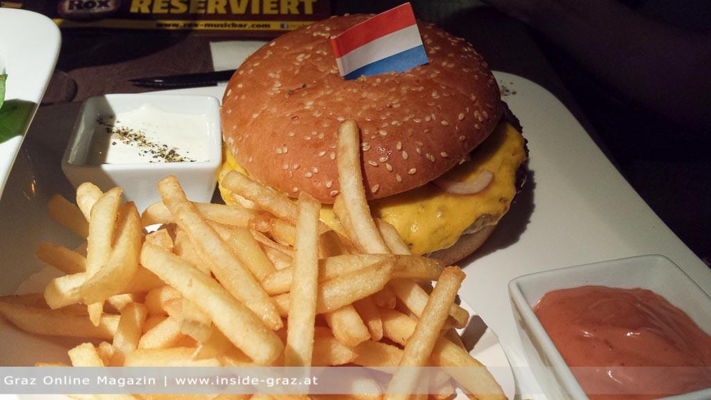 Amerikanische Küche Einrichtung : Burger & Steak: Amerikanische ...