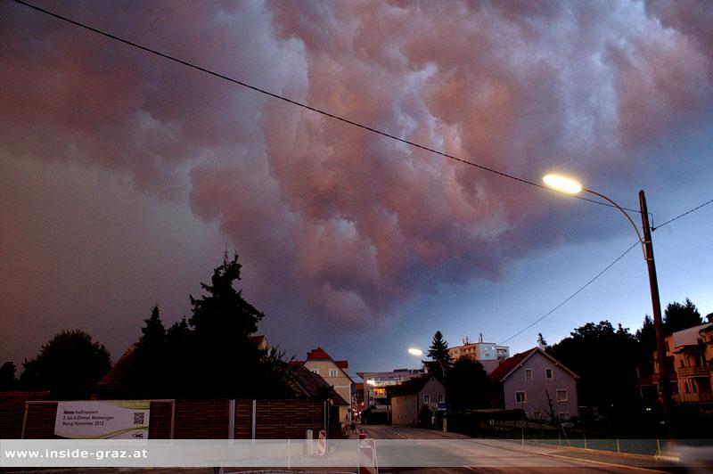 Gewitterstimmung: Farbenspiel vor Blitz und Donner