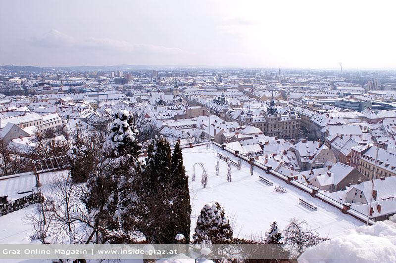 Graz weiterhin unter einer Schneedecke