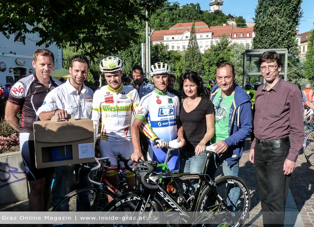 Race Across America Gewinner Christoph Strasser mit Edi Fuchs und vielen CityRadler auf Radtour