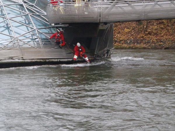 Murinsel Verklausung Feuerwehr Einsatz
