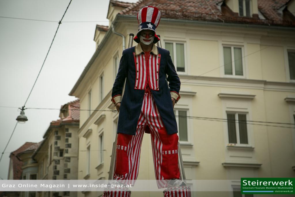 Stelzenläufer Faschingsumzug Graz