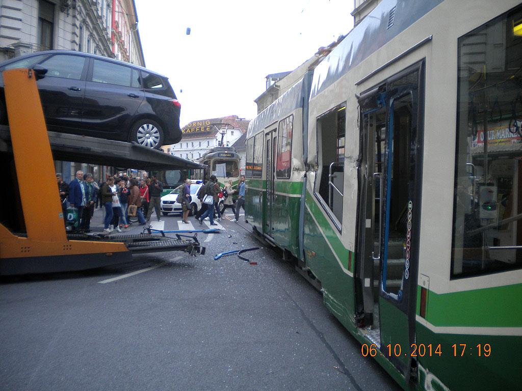Unfall Straßenbahn Annenstraße