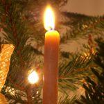 Christbaum- und Adventkranzbrände: Sicherheitstipps für eine gefahrenfreie Weihnachtszeit