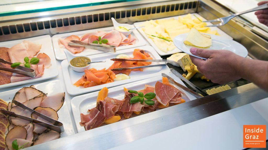 Buffet Frühstück im Augartenhotel