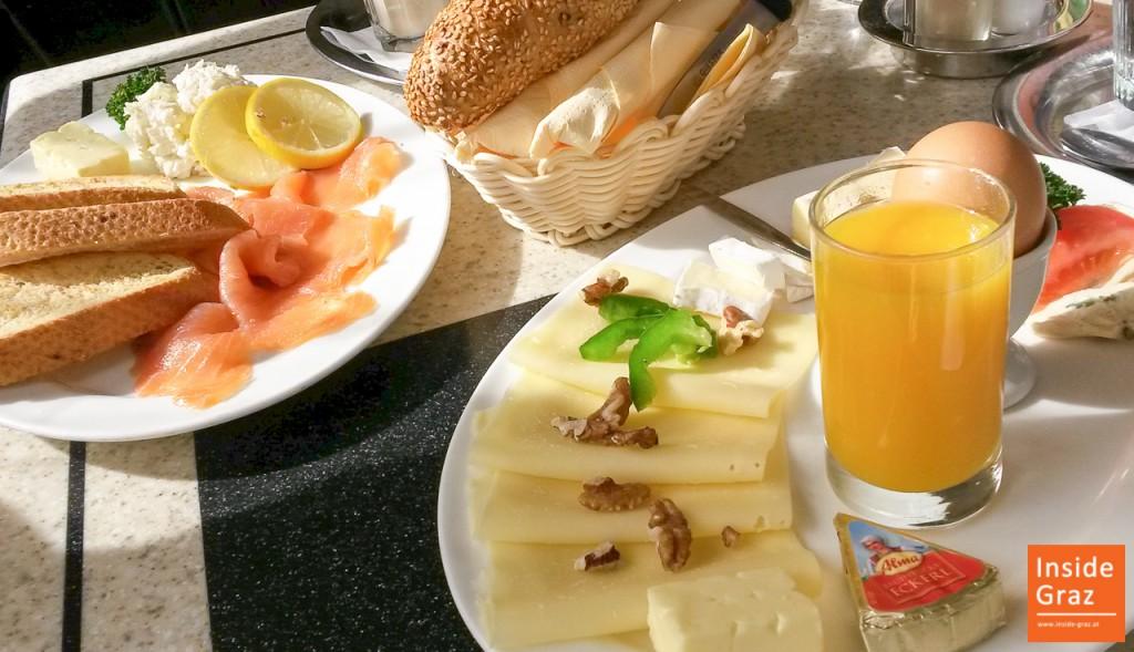 Frühstück im Polanz in Graz