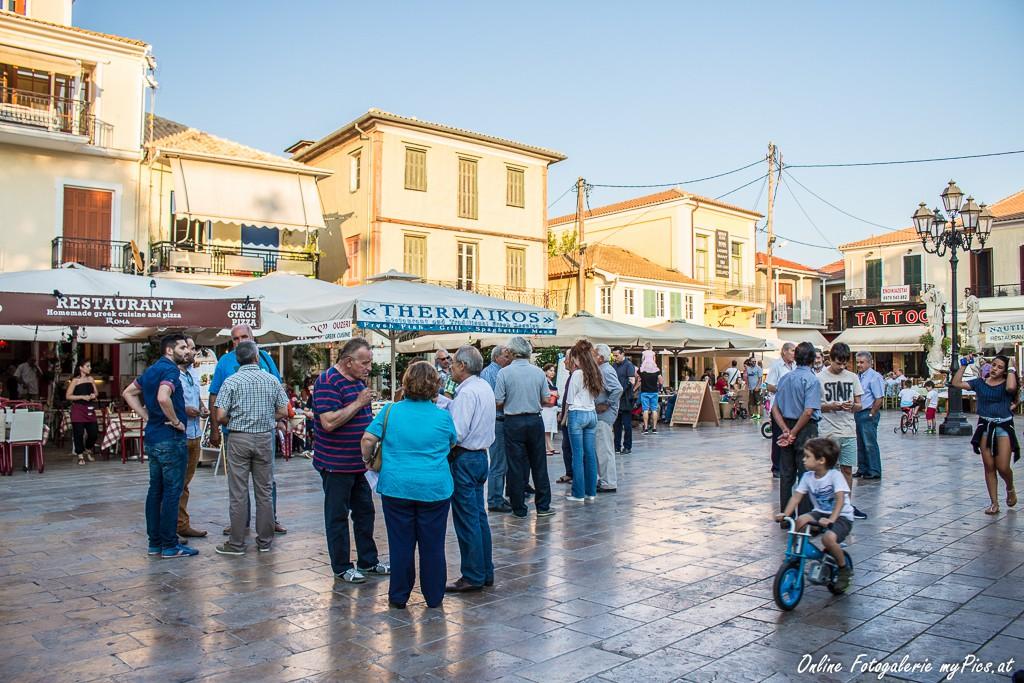 Platz Levkas Menschen Griechenland