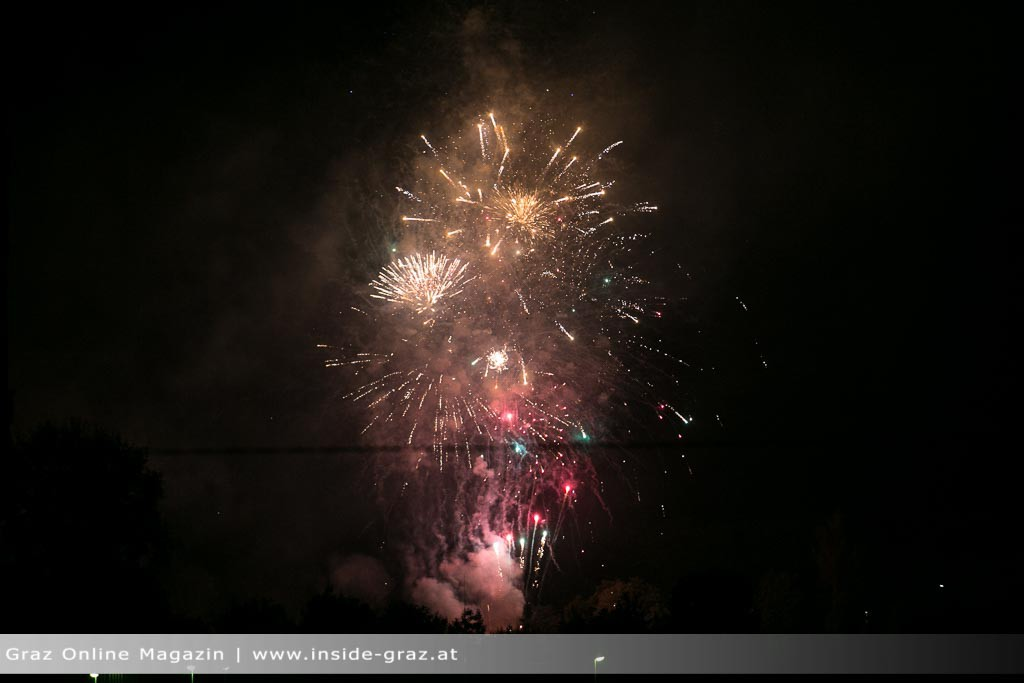 feuerwerk-graz-strassgang-2413