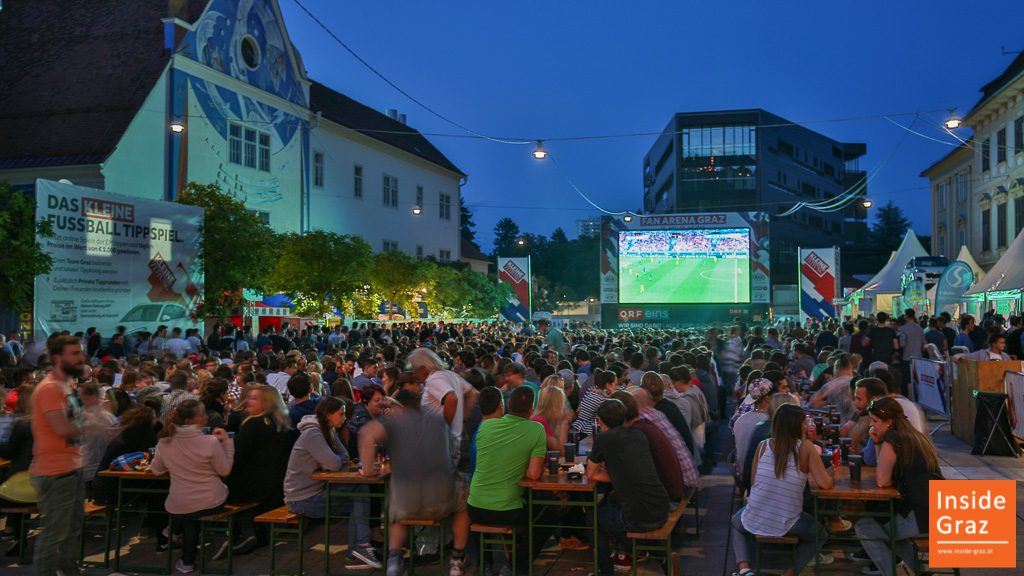 Public Viewing Karmeliterplatz