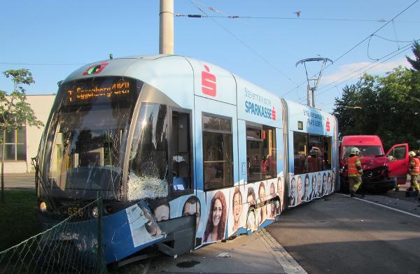 Strassenbahn entgleist