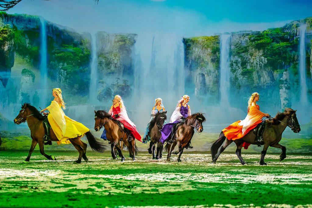 Cavalluna Tournee Welt Fantasie Pferdeshow