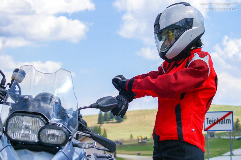 Schutzausrüstung Motorradfahren