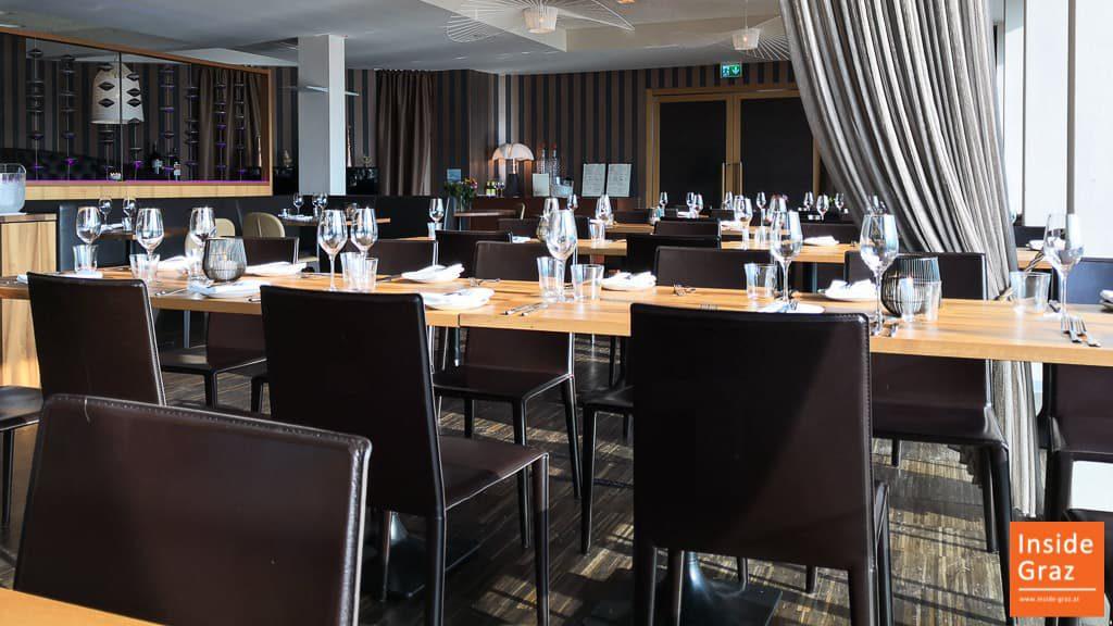 Tische im Schlossberg Restaurant