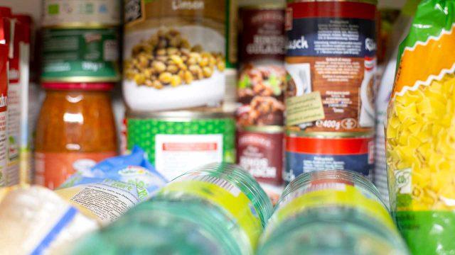 Lebensmittelvorrat einkaufen