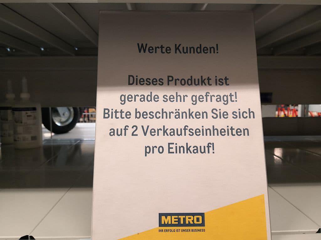 Metro Hinweisschild Desinfektionsmittel