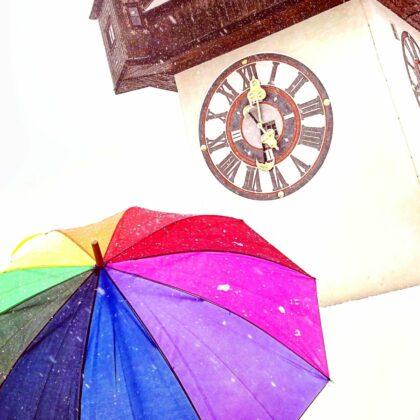 Rainbow Schirm am Uhrturm