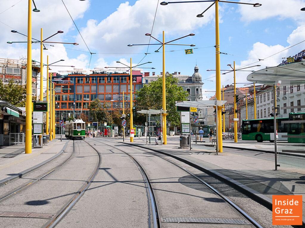 Tramway am Jakominiplatz