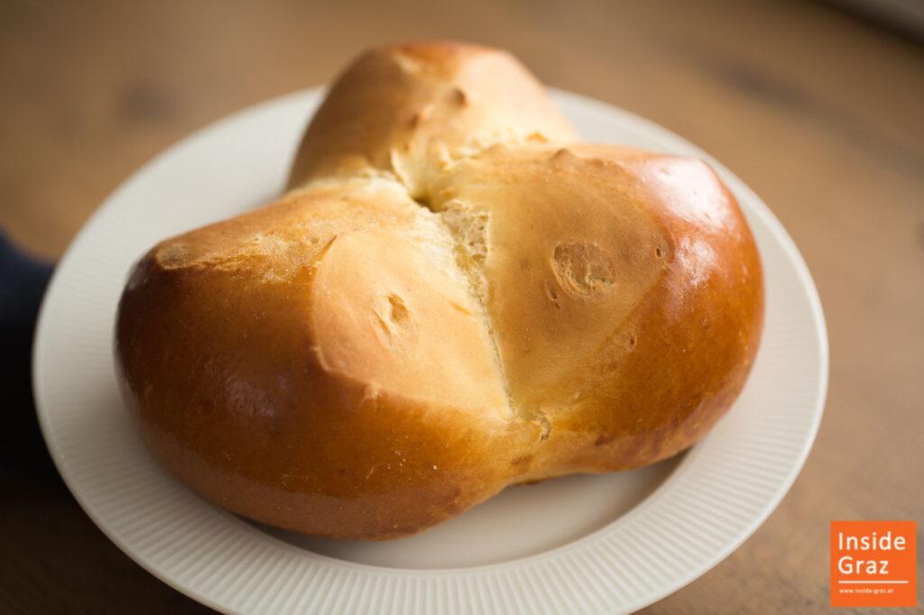 Pinze von der Bäckerei KernKern