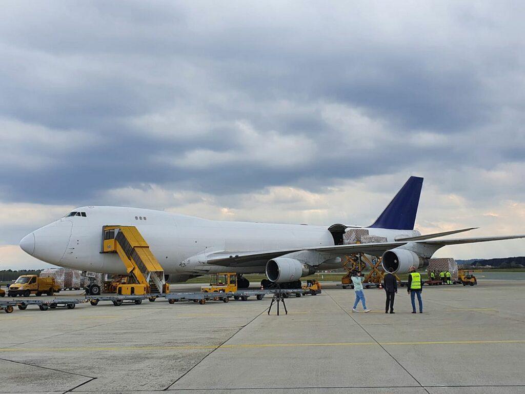 Jumbo-Jet technomed Luftftracht