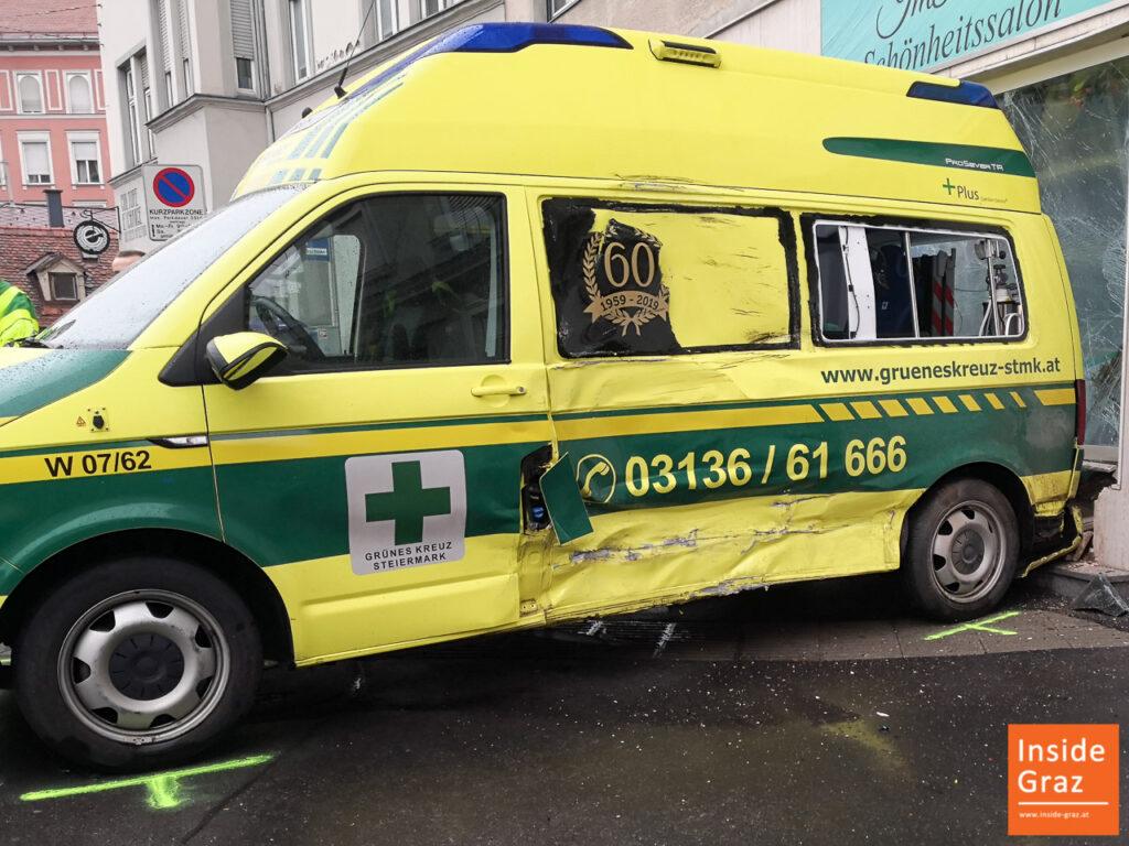 Rettungsauto Unfall