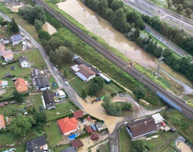 Überflutung Flugpolizei